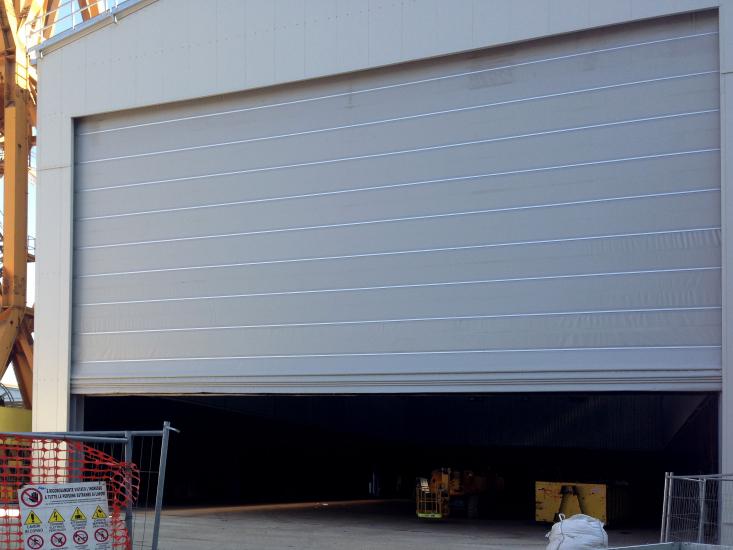 Porte de grandes dimensions Megapack